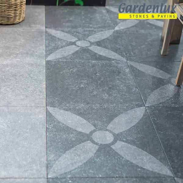 Antraciet betontegels met deco print